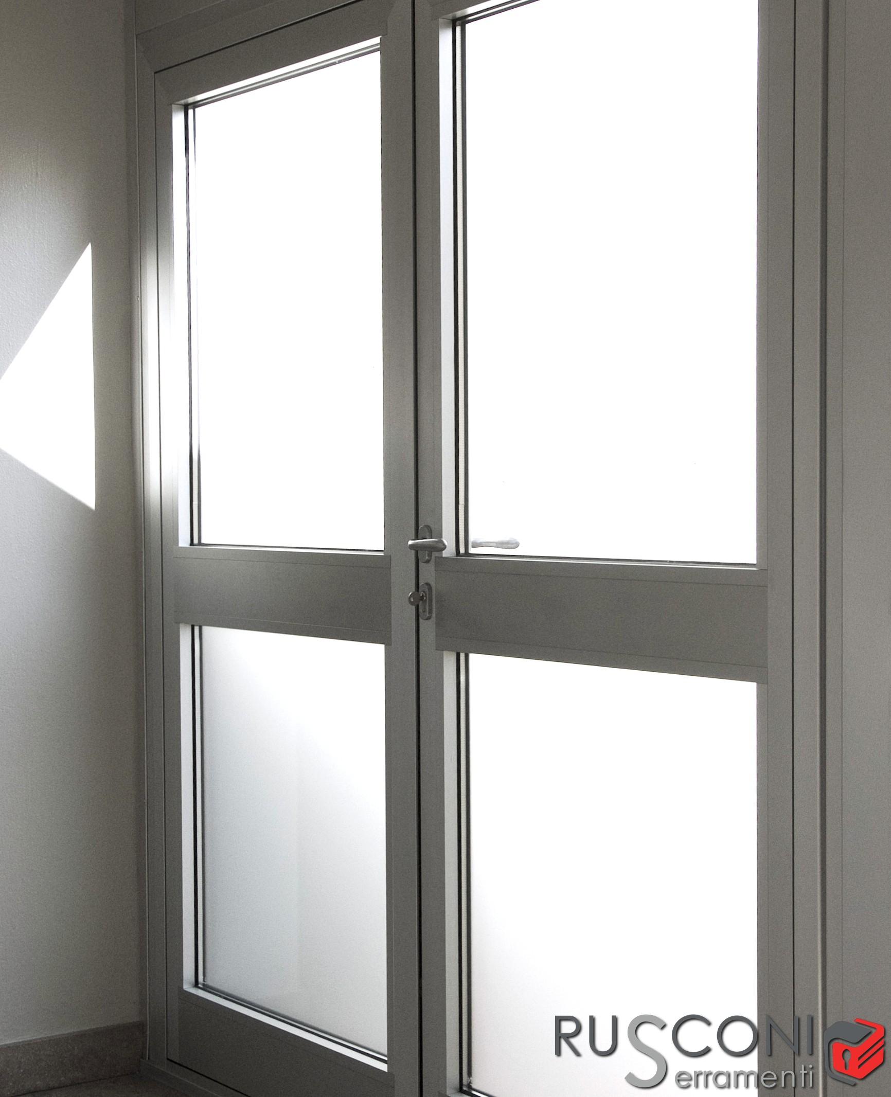 Finestra In Alluminio Resistente Leggera E Moderna
