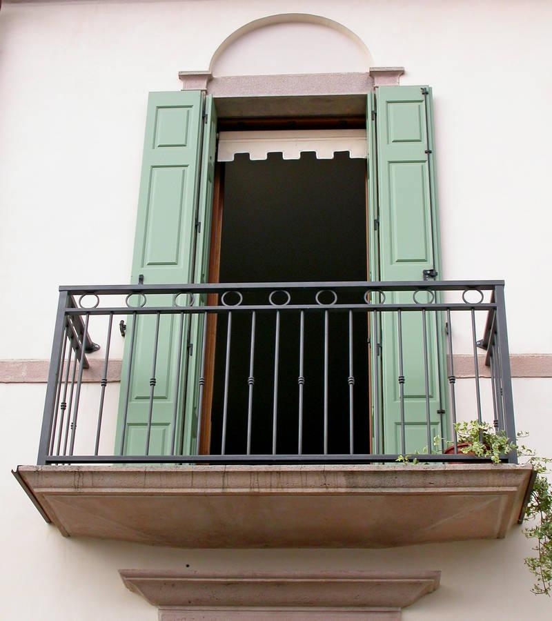 Rusconi serramenti porte finestre in legno alluminio e for Porta finestra pvc